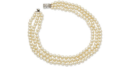 Jacqueline Kennedy Jewelry : Triple-Strand Simulated Pearl Necklace